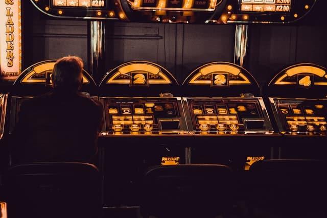 Læs over 500 anmeldelser af de bedste spillemaskiner. Prøv dem for sjov hos bedstespillemaskiner