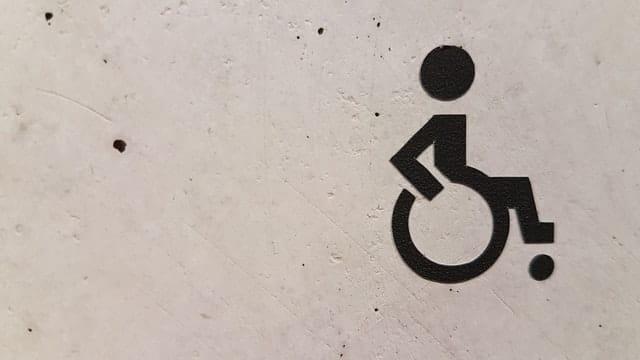 Sådan finder du den rigtige kørestolspose
